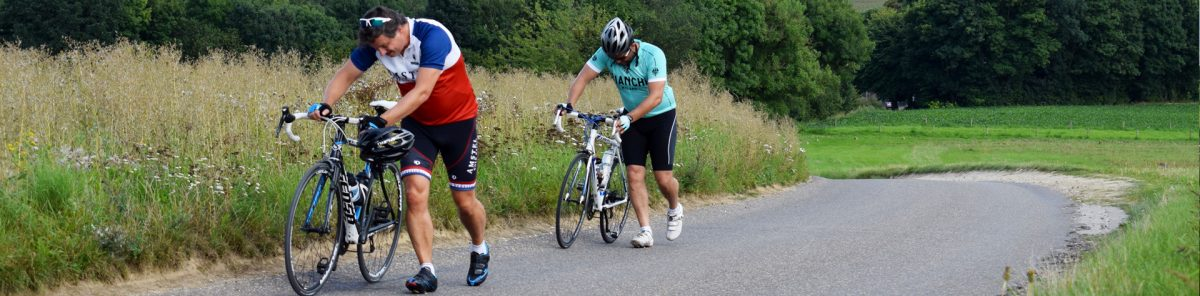 heuvelland-fietser-afstappen
